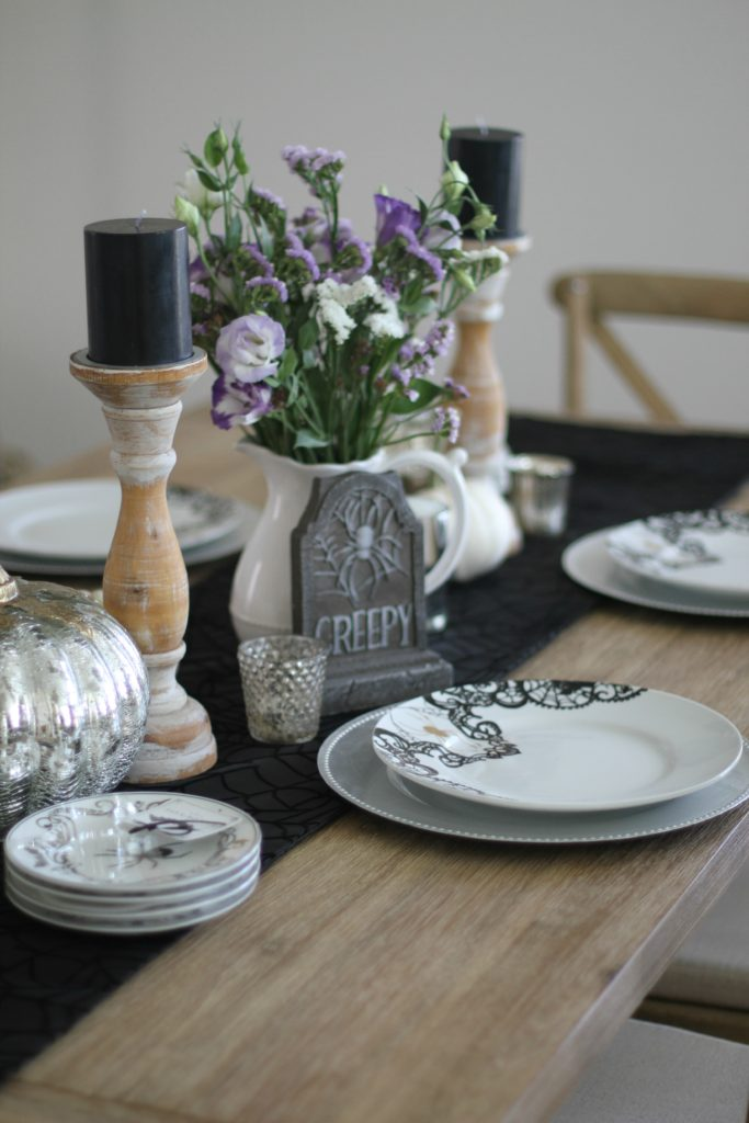 halloween-tablescape